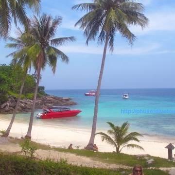 Private Charter speedboat to Rachay Yai Island